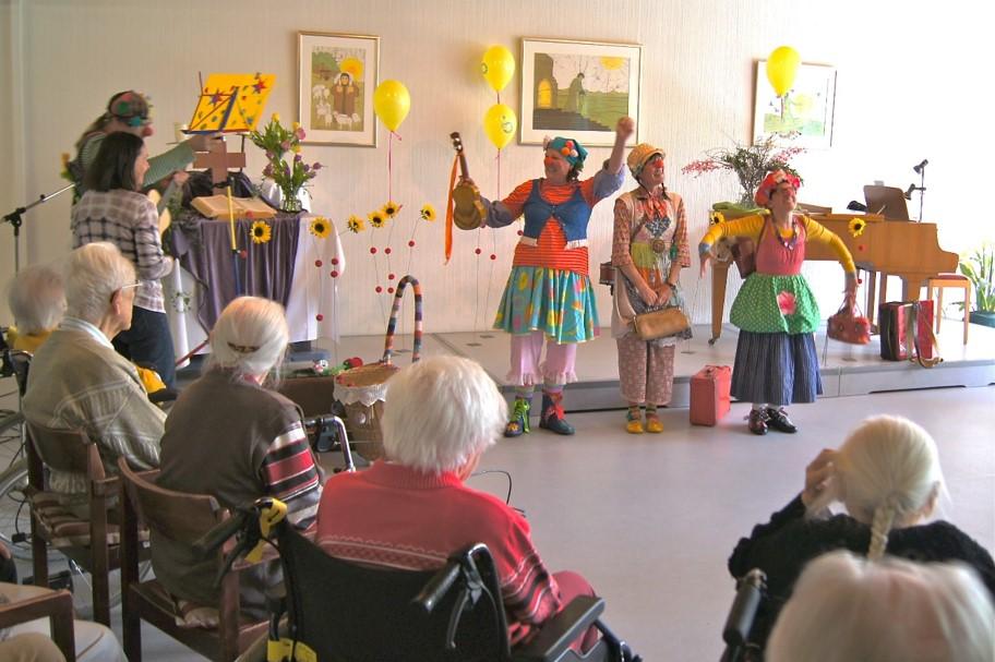 Geburtstagsfest im Seniorenzentrum Mutter Werner Heim